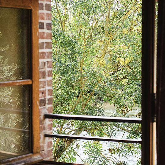 Vue sur rivière, chambre 1 du Moulin de Sauvage